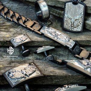 bundle of necklace/pendant & bracelet